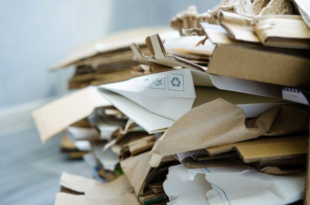 Papier en karton vullend